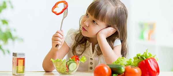 chọn sữa cao năng lượng cho bé suy dinh dưỡng